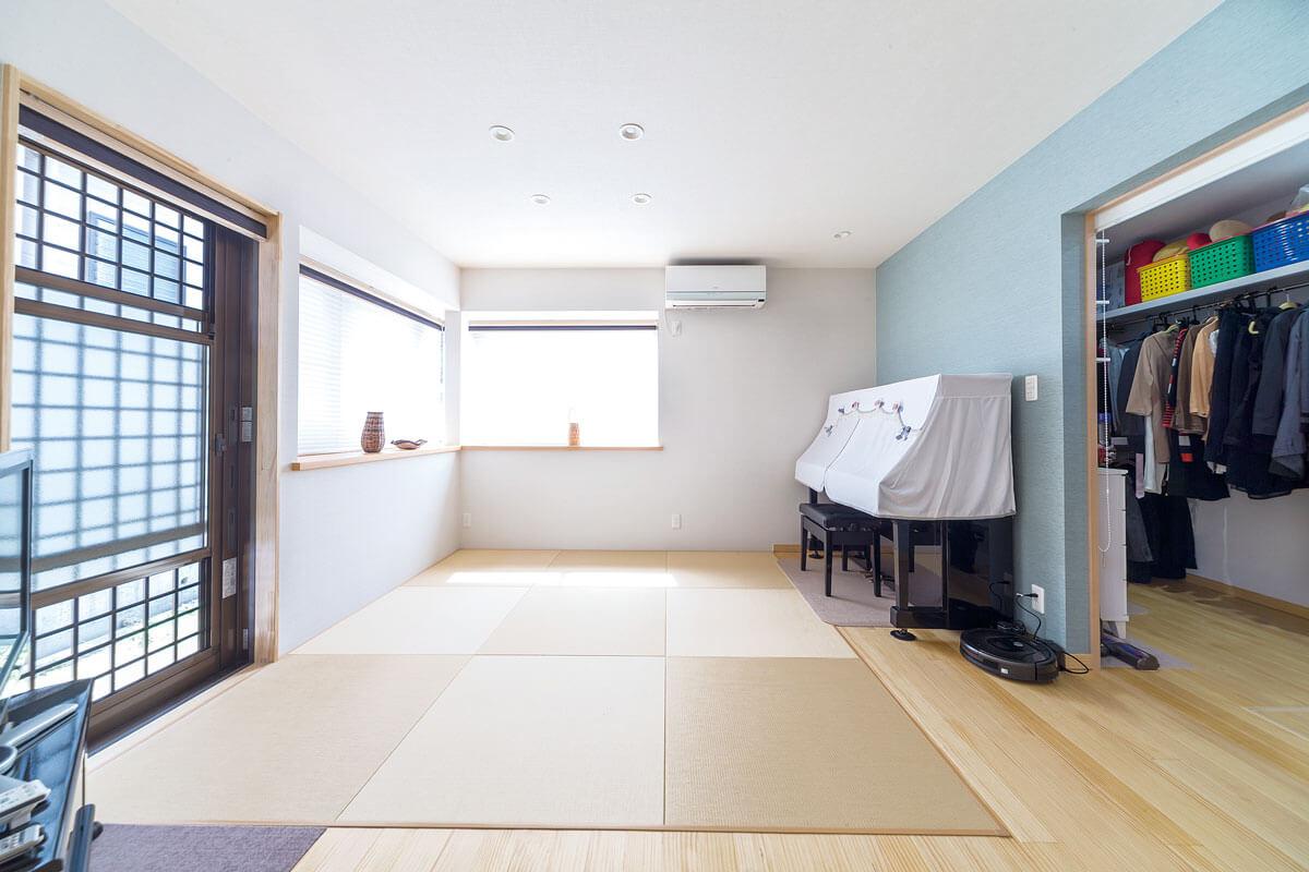 ウォークインクローゼットにつながる和室。将来は寝室をここに移動し、完全に1階で生活できるように。