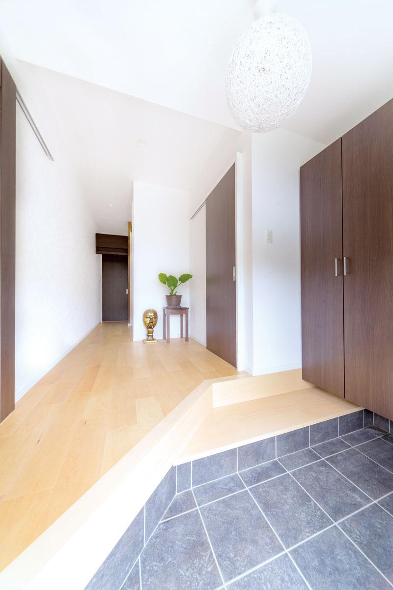 【東広島市】親も子も使いやすい二世帯住宅の快適共有玄関