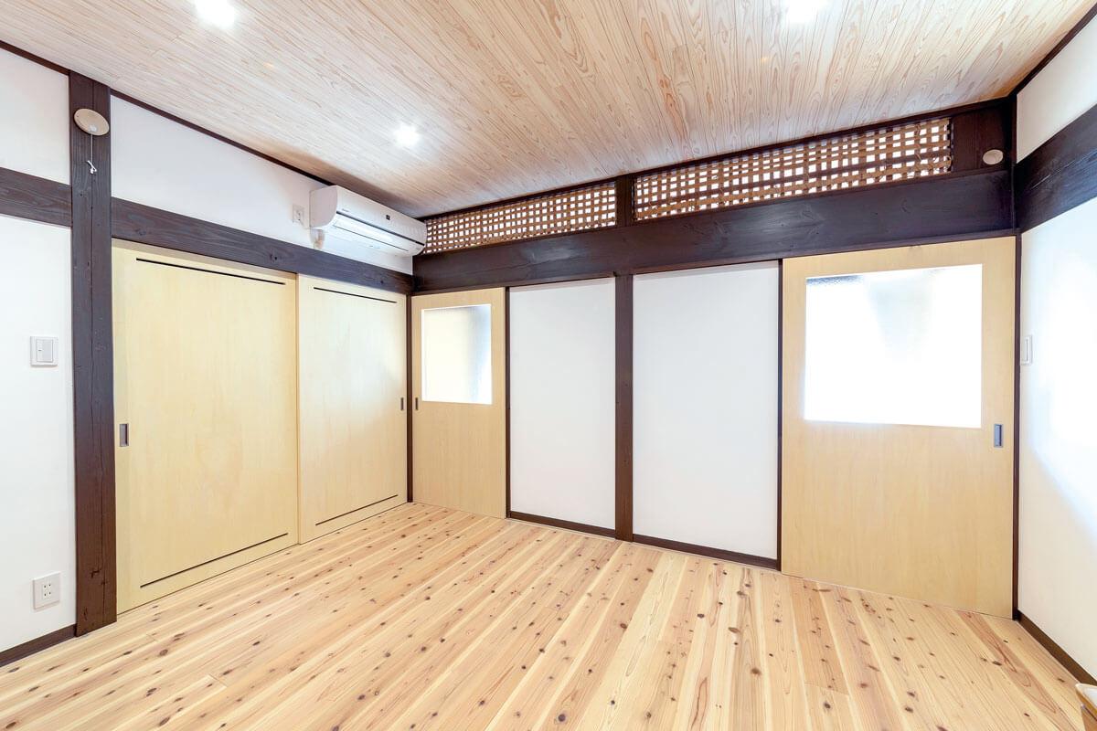 LDK横に設けた子供部屋。お子さんが成長した際には空間を分けられるように、採光の工夫もされています。