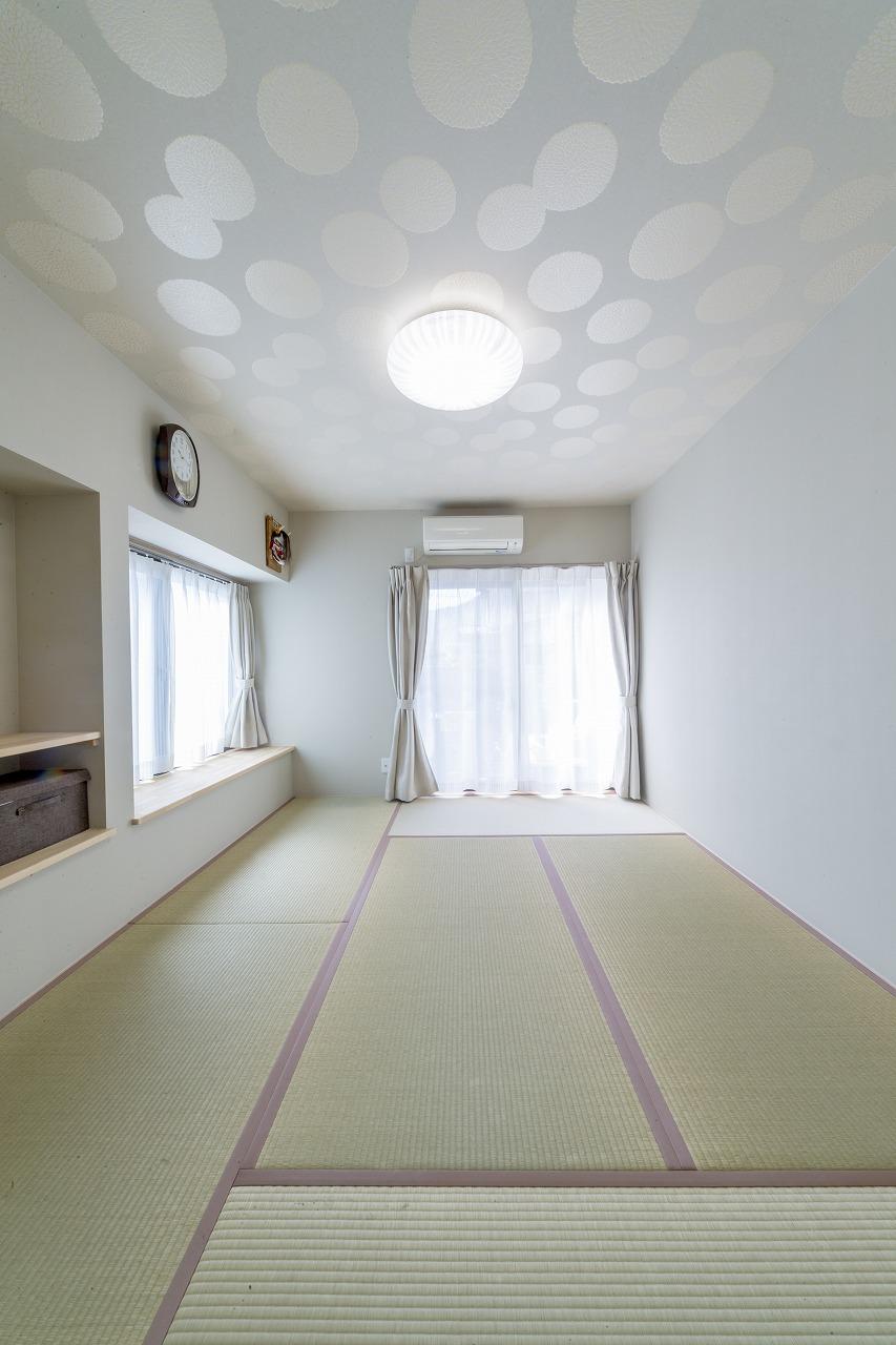 【呉市】天井クロスに遊び心ある和室