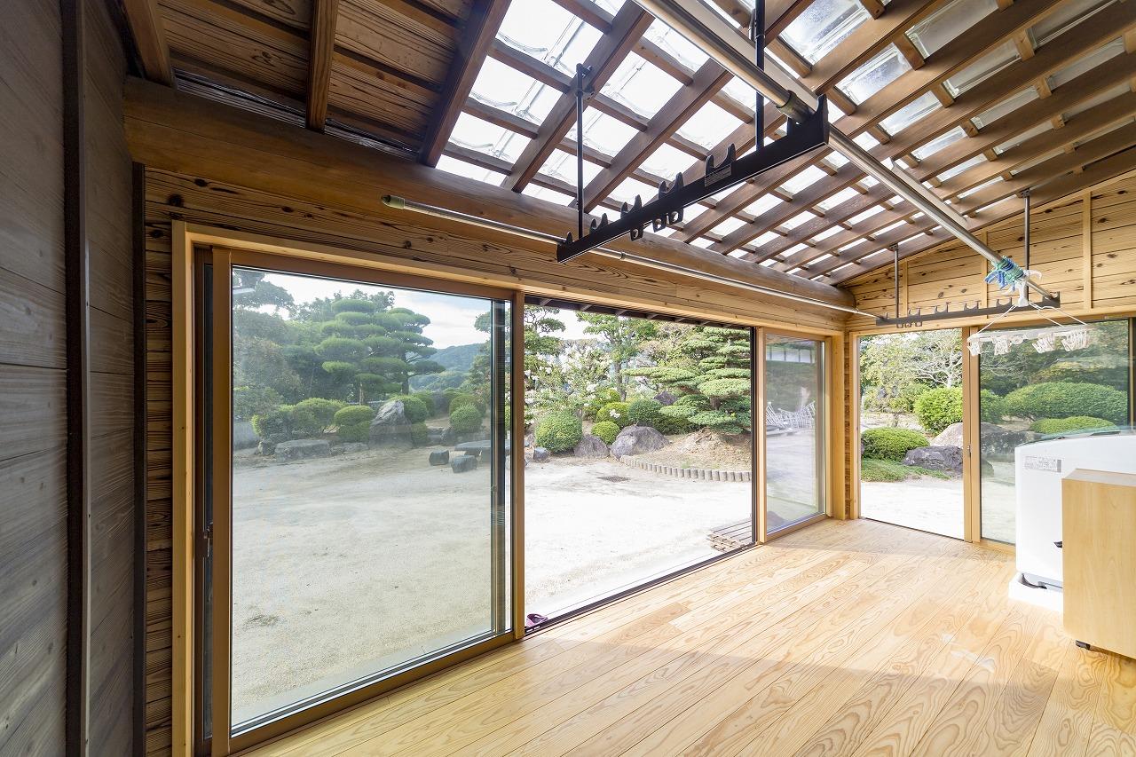 【山口県光市】屋外にあった物干し場に床と壁をつくり増築