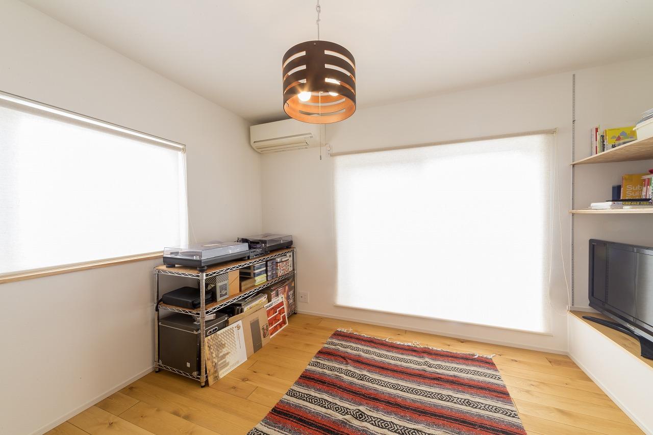 和室だった2階の部屋は洋室にしたことで使いやすい空間となりました。