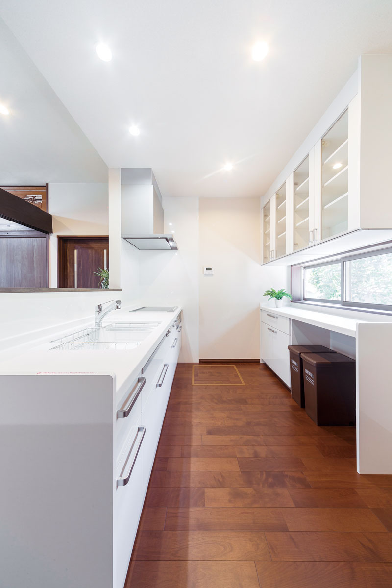 LDに隣接する対面タイプに変更したキッチン。