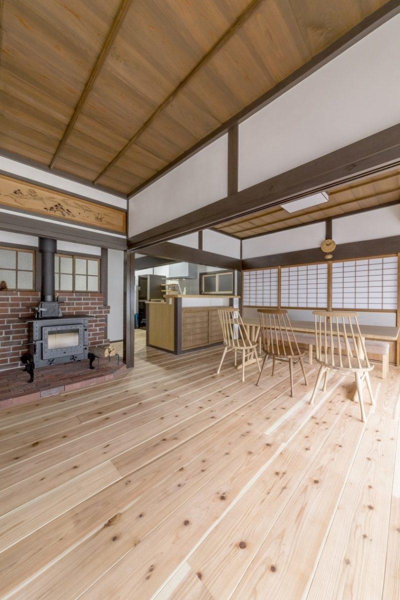 山県郡|杉無垢材と薪ストーブの古民家リフォーム