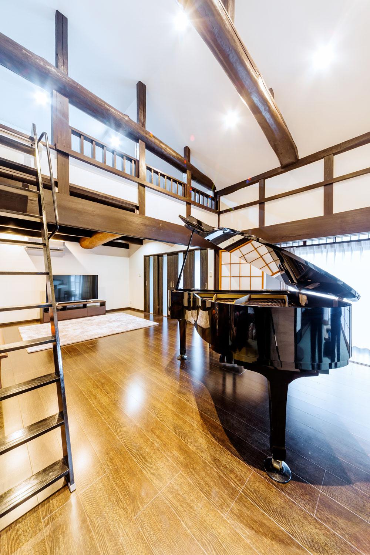 歌が好きなご主人と、ピアノ好きの奥さまとお子さんたち。音楽を楽しむ習慣は、お孫さんにも引き継がれることでしょう。