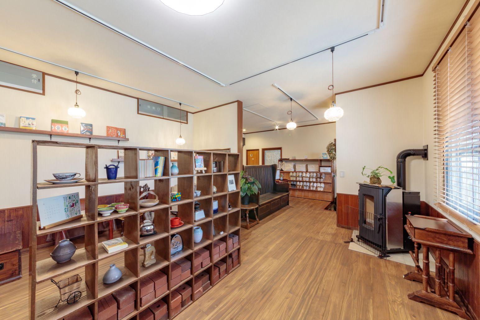 廿日市市|自宅の一部を居心地の良いブックカフェにリフォーム