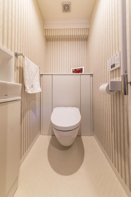 便器が床に接触していないフローティングトイレは、清掃性が抜群。