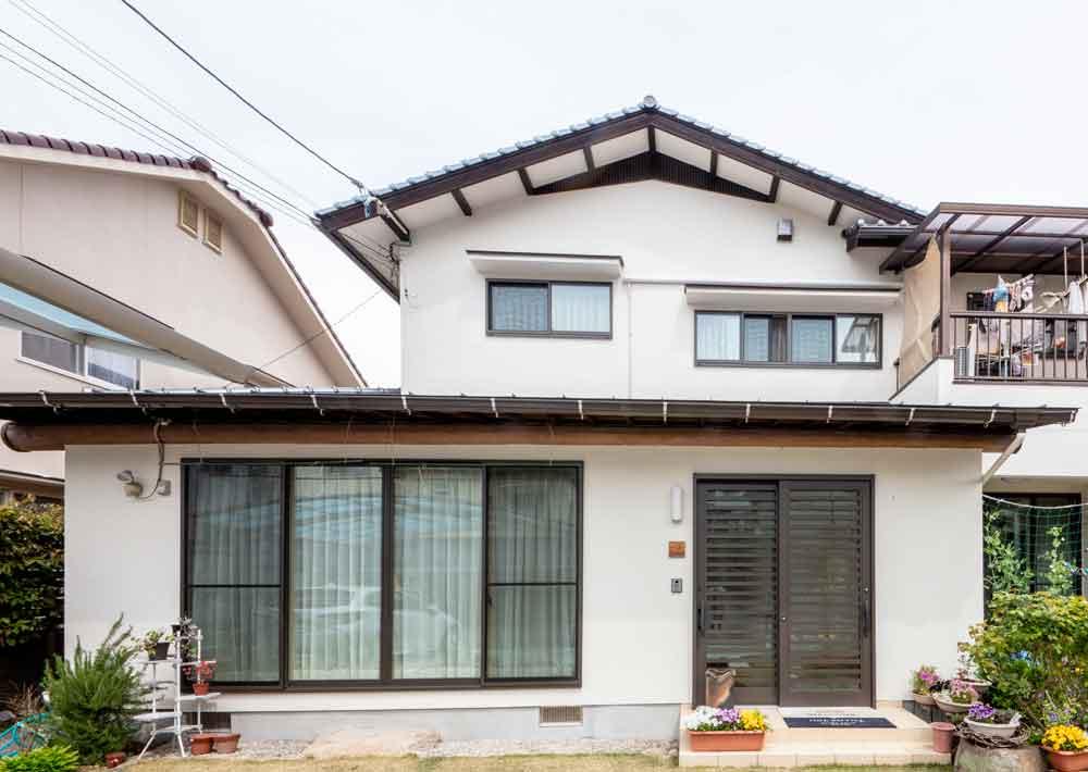 広島市|リフォームで玄関の位置を移動させる