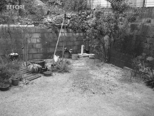 住む人がいない庭は手入れされず寂しい印象でした。