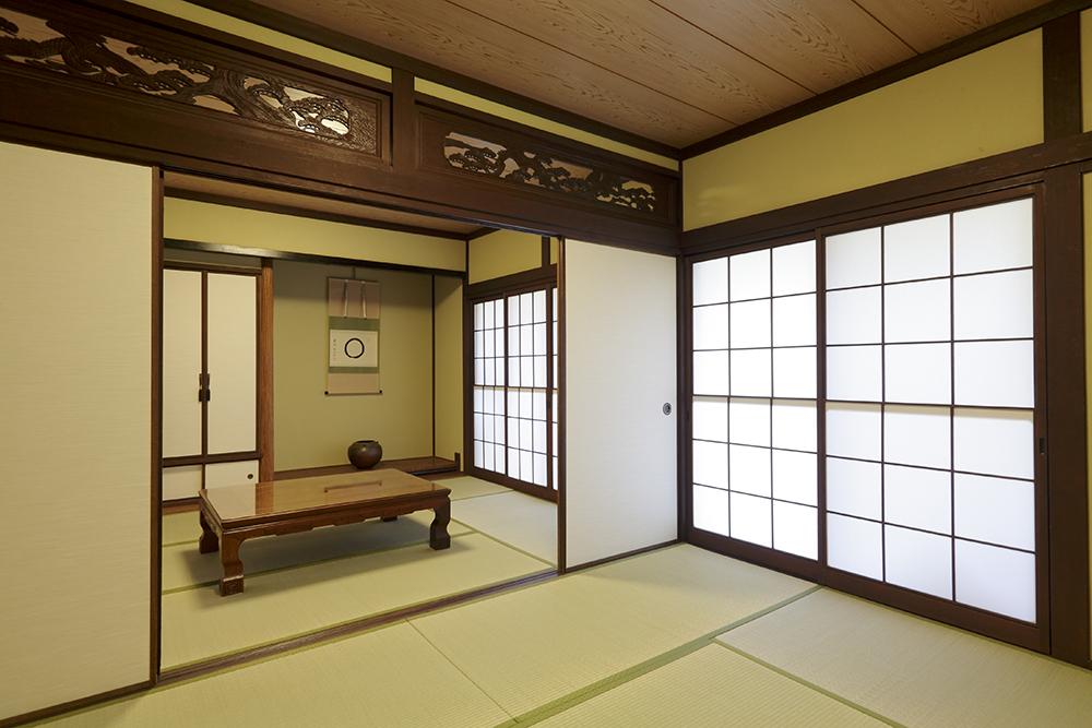 統一感のある色彩でまとめた和室。