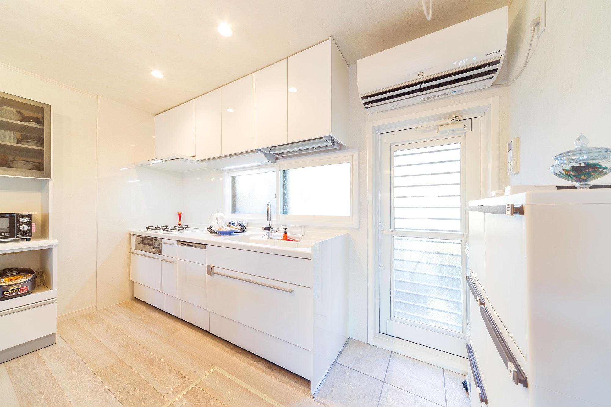 キッチンをL型からI型にしたことによりデッドスペースが減り、家事も楽に