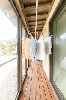 洗濯物をどこに干しますか?サンルームのリフォーム事例