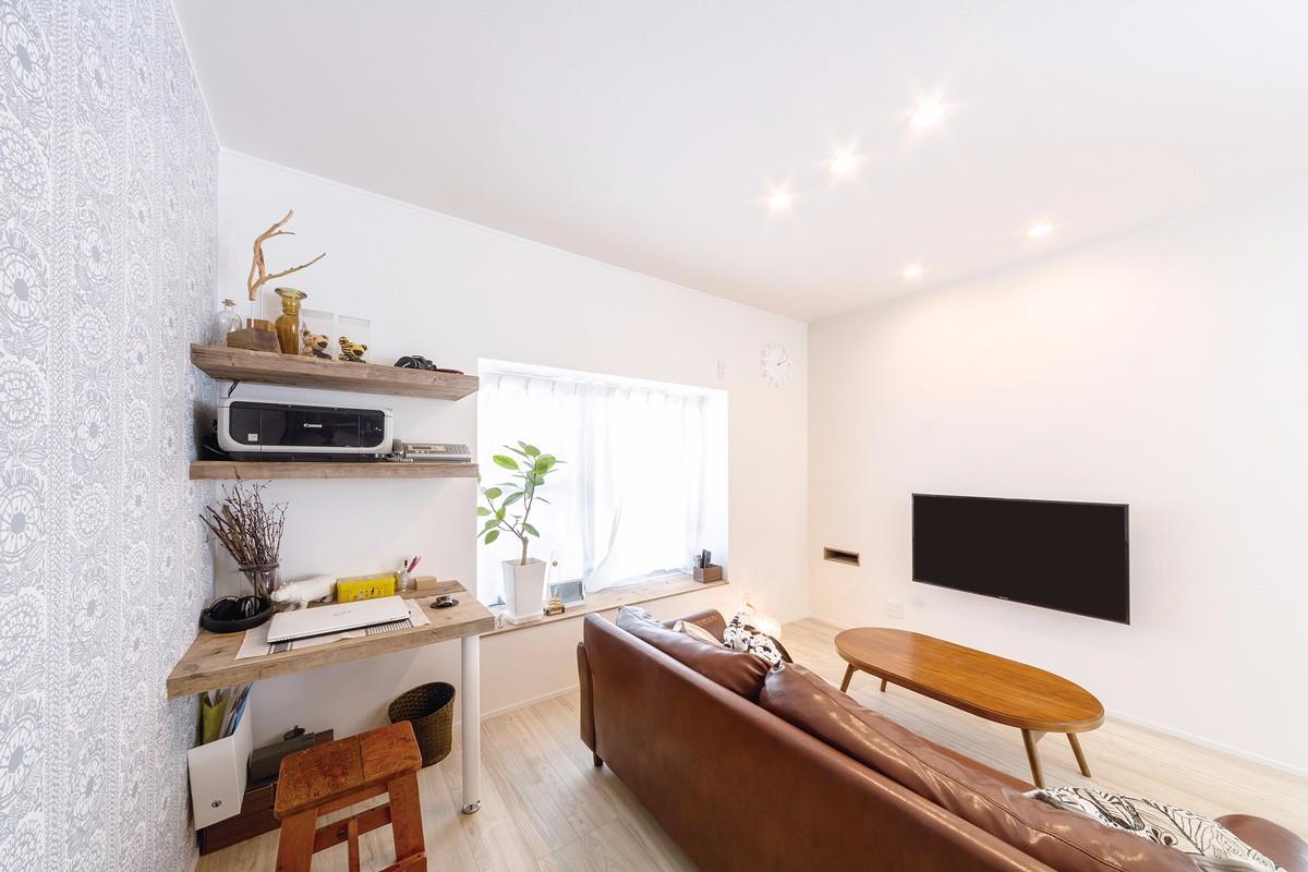 テレビの配線やAV機器は壁の向こうにある部屋に回してスッキリ