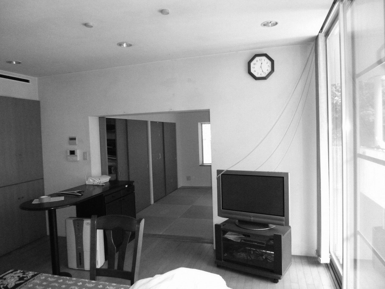 LDKの奥は押入れのある畳敷きの和室が広がっていました。