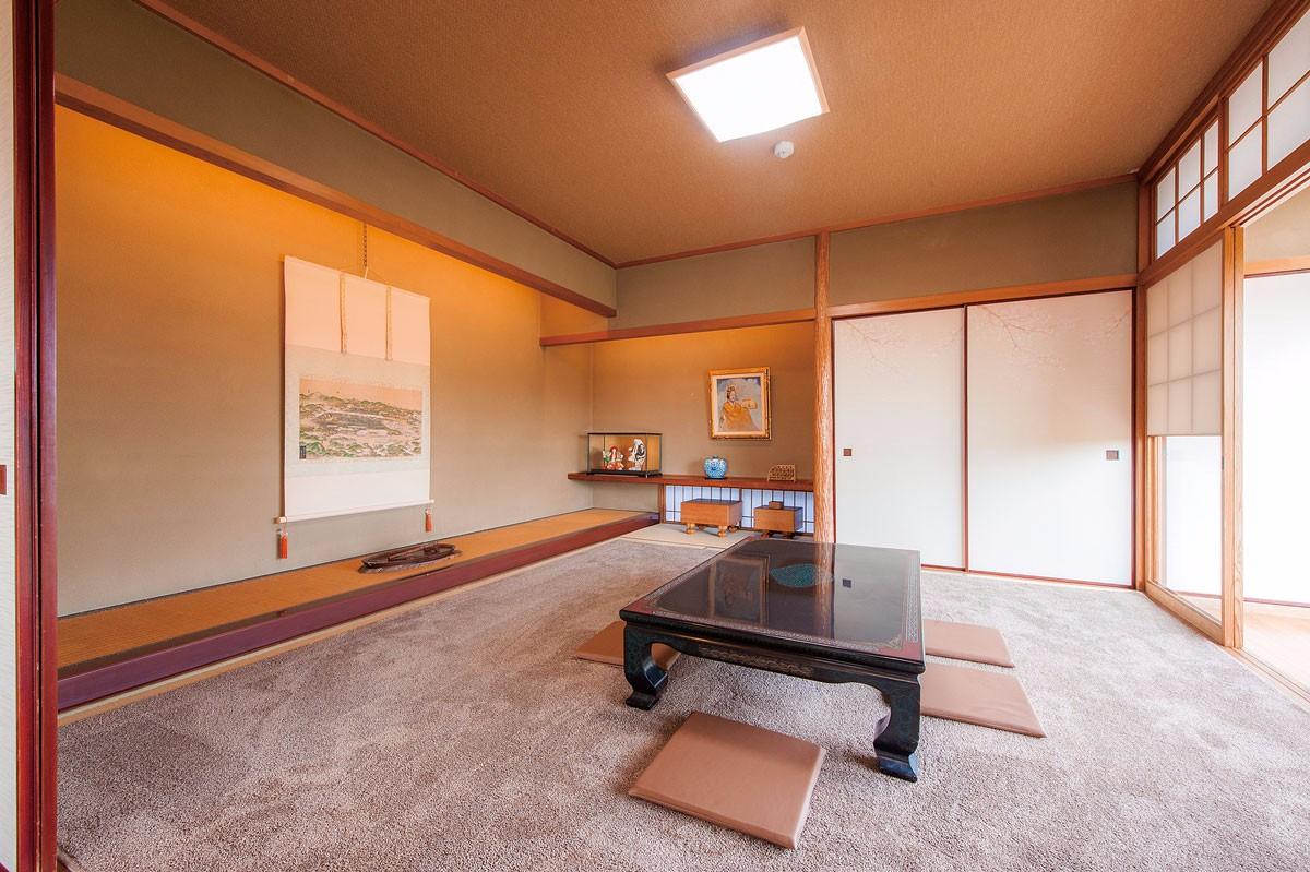 玄関近くの本格和室。本物のくつろぎ感が溢れます