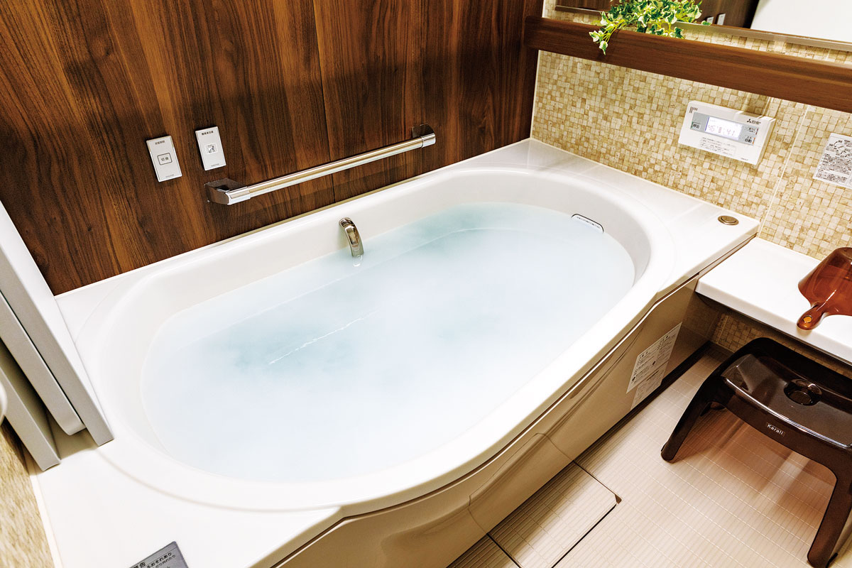 浴室は酸素を含むミクロの泡を発して湯冷めしにくい美泡湯(びほうゆ)機能を追加。