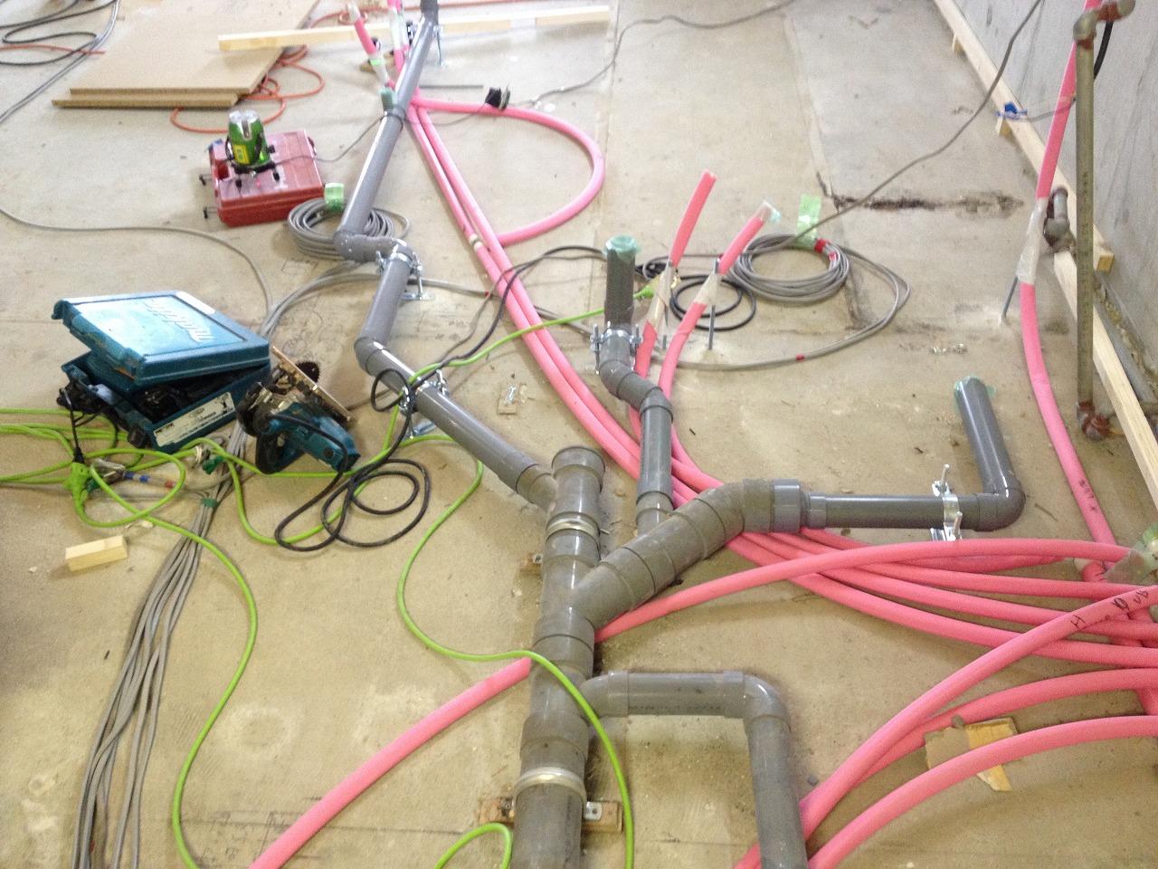 配管の移設と同時に、給水・給湯・排水管を全て新しく取替えています。