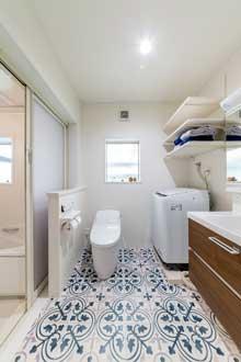東広島市|トイレと洗面所が一緒の空間