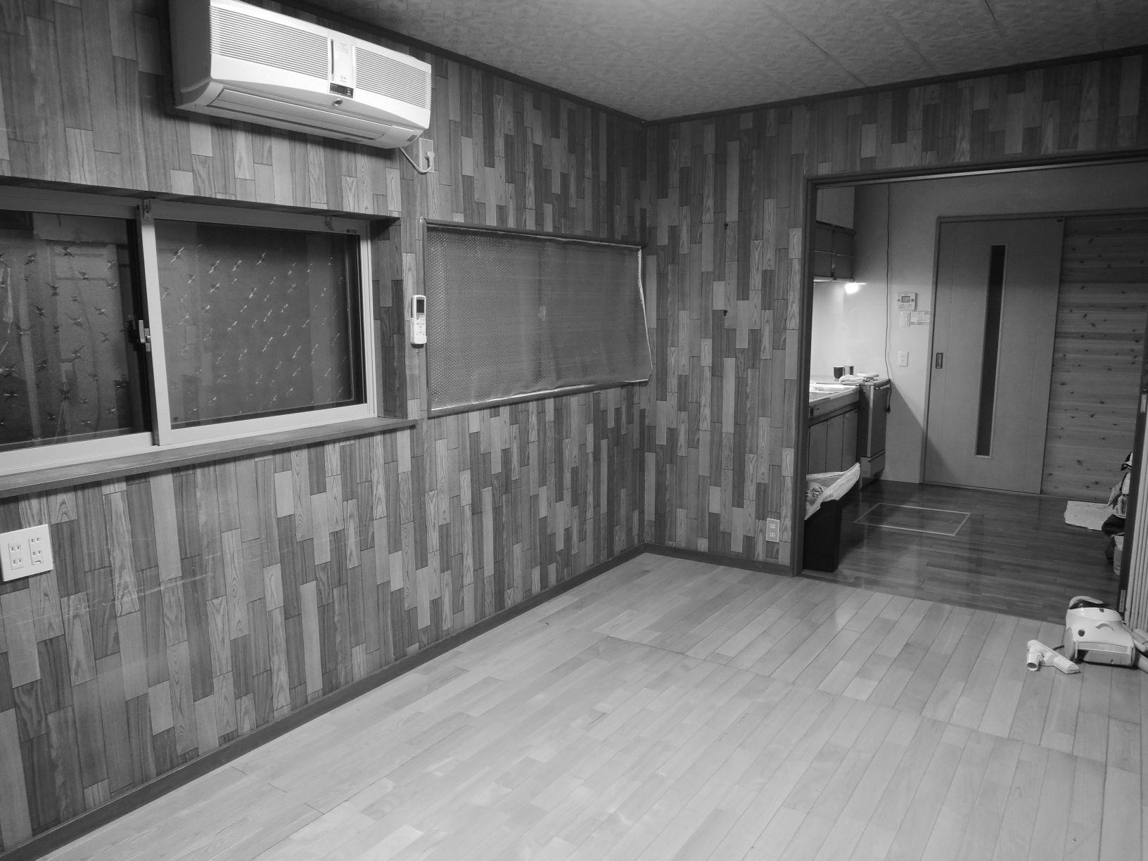 袖壁と垂れ壁があり、孤立した雰囲気だったキッチン。