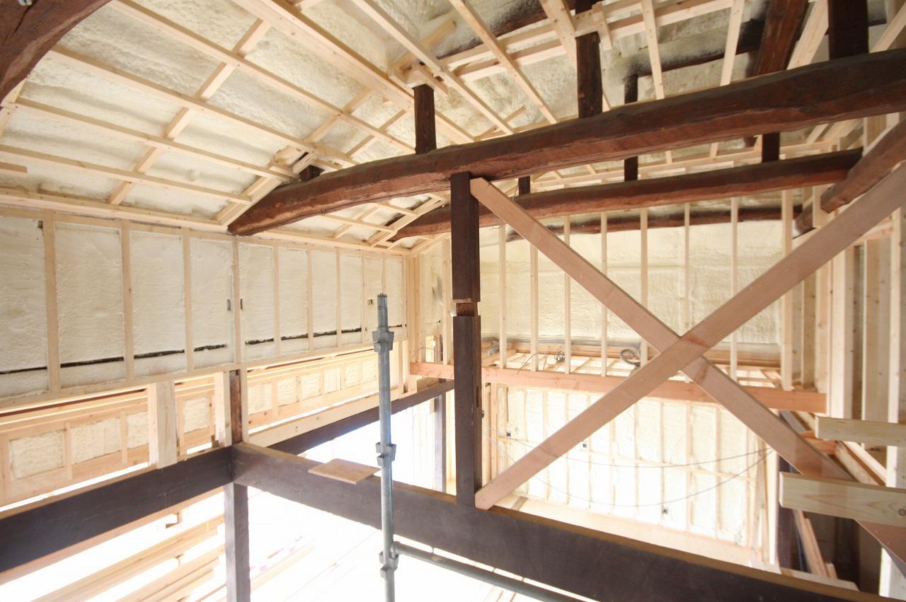 壁・天井には高気密・高断熱の断熱材アクアフォームを。寒さにもしっかり対応。