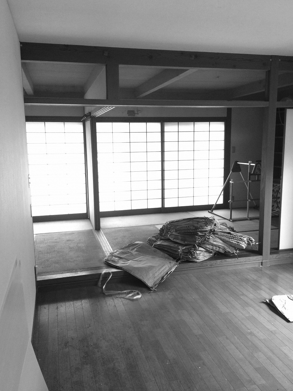 リビングと隣接する二間続きの和室は使いにくい動線でした。