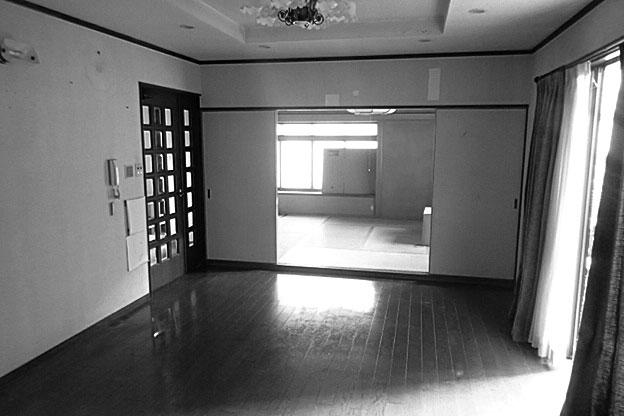 東側にあった和室。せっかくの日当たりを活用できていませんでした。