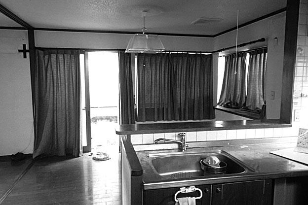 西側にあったキッチン。今回のリフォームでウォークインクローゼットに変更しました。