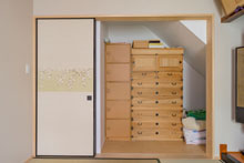 【東広島市】階段下のスペースを居室の収納に活用