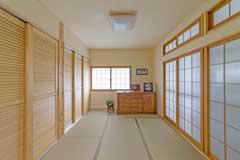東広島市|床の間を大型壁面収納に変身