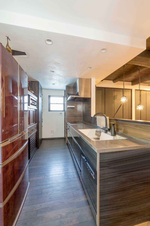 広島市|アンティーク和家具を使ったキッチン