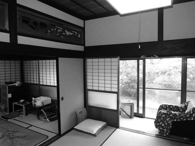 茶室を含めて和室が5室。冠婚葬祭をする機会もなくなり、使われていない部屋も多くありました。