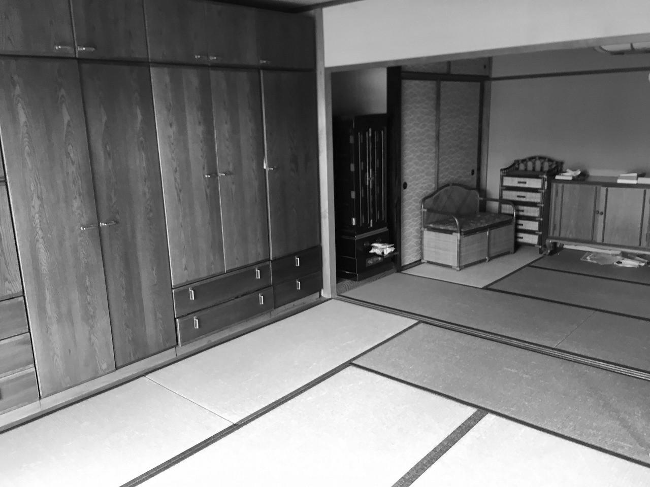 リフォーム前は襖で仕切られた2つの和室がリビングに隣接して並んでいました。