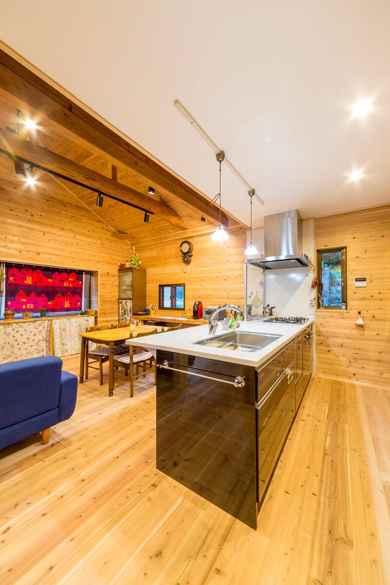 壁向きキッチンをオープンな対面に