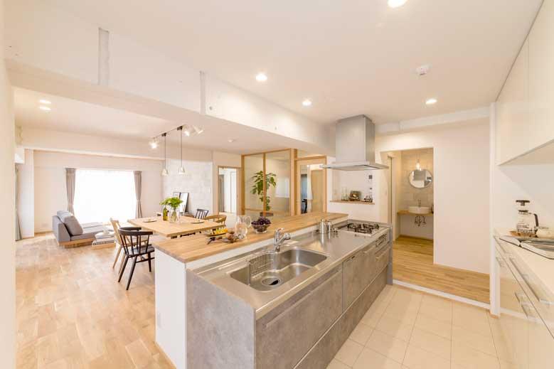 呉市|自宅で料理教室を可能とさせるキッチンレイアウト